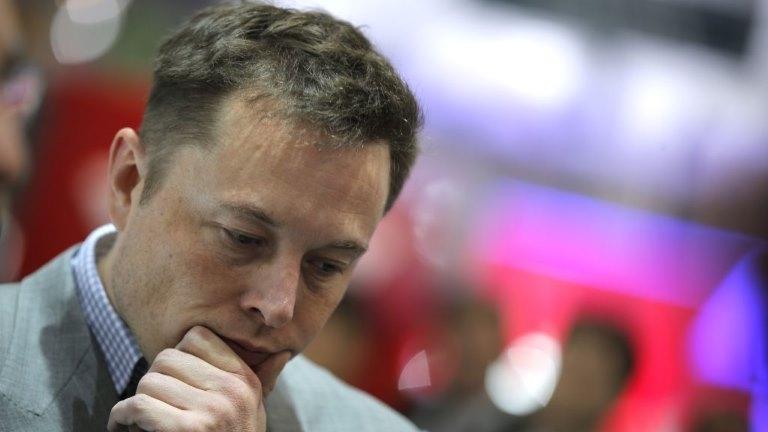 Elon Musk valileri yapay zeka konusuna uyardı