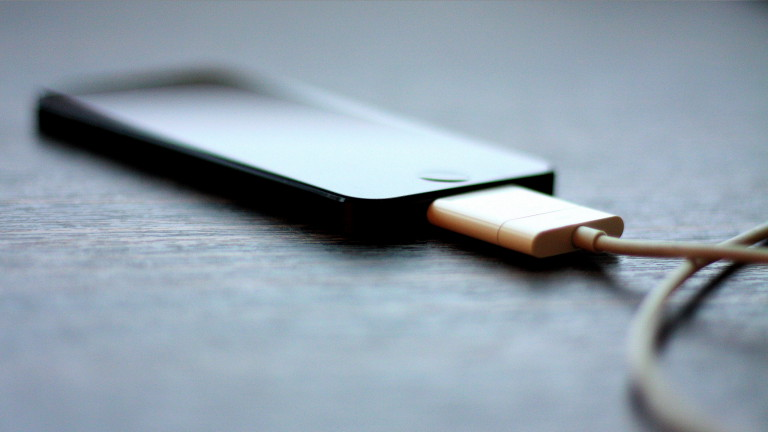 5-Myths-About-Phone-Charging-Debunked