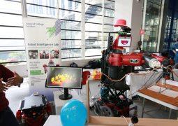 Hasta bakıcı robot