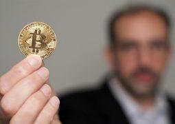 Bitcoin ile maaş alacak mühendisler aranıyor!