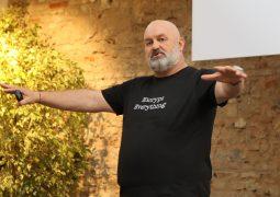 AWS'i seçecek start-up'lara öneri: Elden geldiğince çok servisimizi deneyin