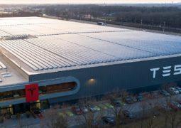 Avrupa'da Tesla fabrikası