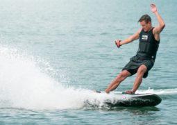 Elektrikli sörf tahtası tanıtıldı