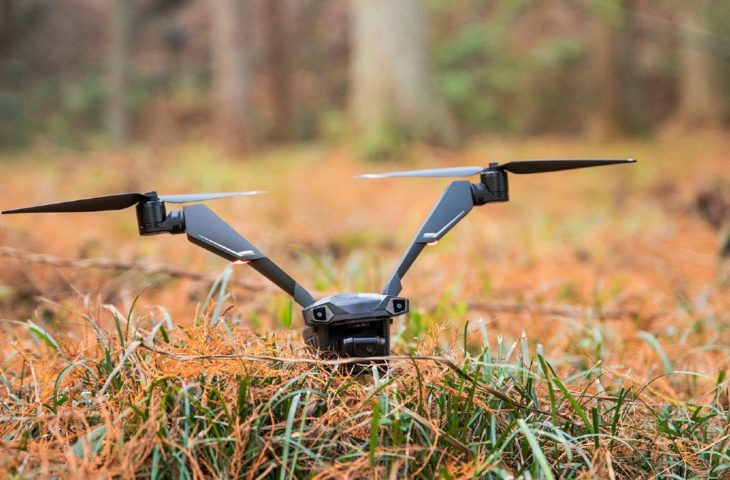 V kanatlı drone