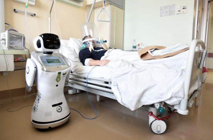 Robotlar koronavirüs